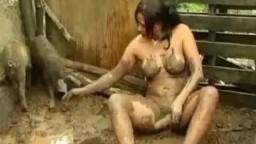 Грязная скотоложница ебется с боровом волнующее zoo porno видеофильм online